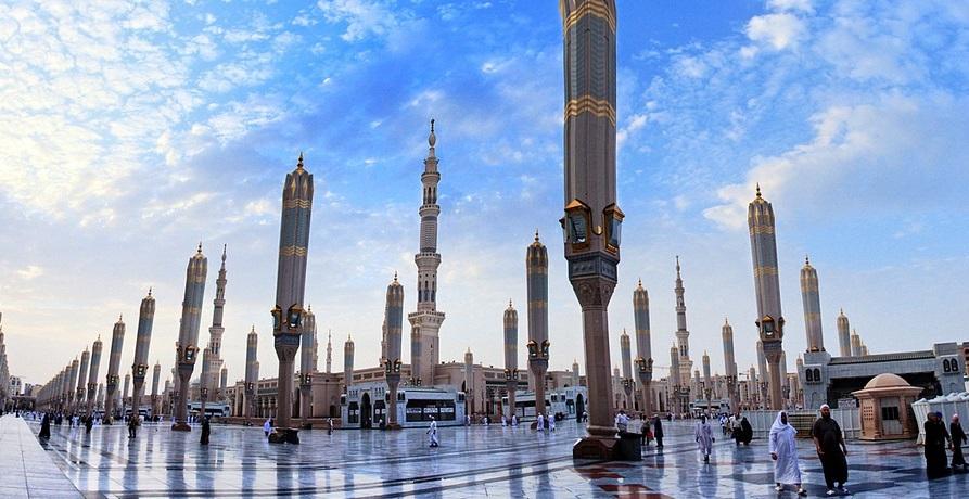 зонты в мечети пророка